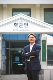 <a href='/story/interview.php?ptype=view&idx=23458&page=1&code=interview'>이경록(자원공학 80) 효봉물산 대표</a>